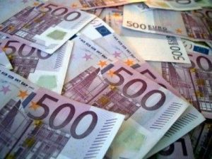 EUR USD analysis - a pile of euros